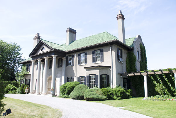 parkwood_estate_national_historic_site_of_canada_2007_opt